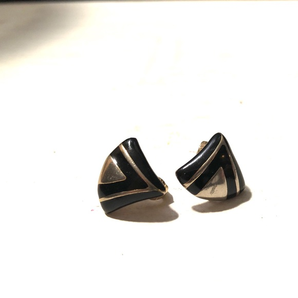 Signed Avon Silver Leafed Clip-ons Avon Silver Leafed Clip On Earrings
